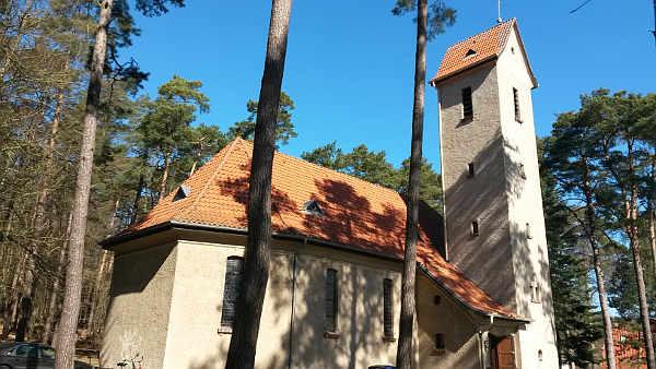 Seitenansicht Kirche Bansin
